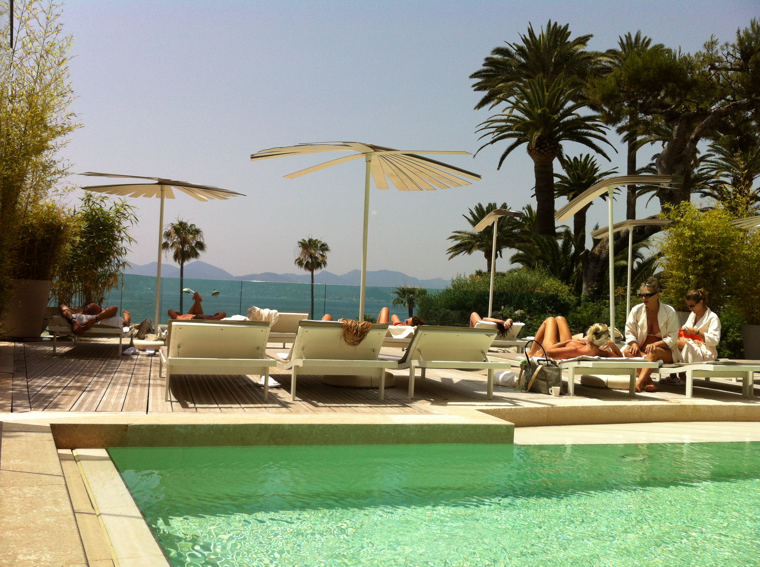 review thermes marins de cannes spamads about town. Black Bedroom Furniture Sets. Home Design Ideas